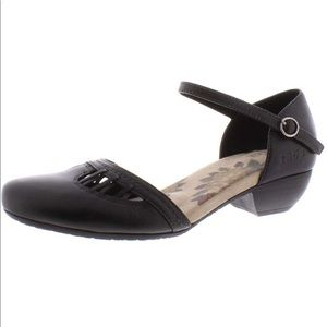 Taos Honor Black Leather Mary Jane Sandals 9.5